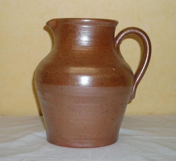 07.03 Carafe à vin en terre cuite