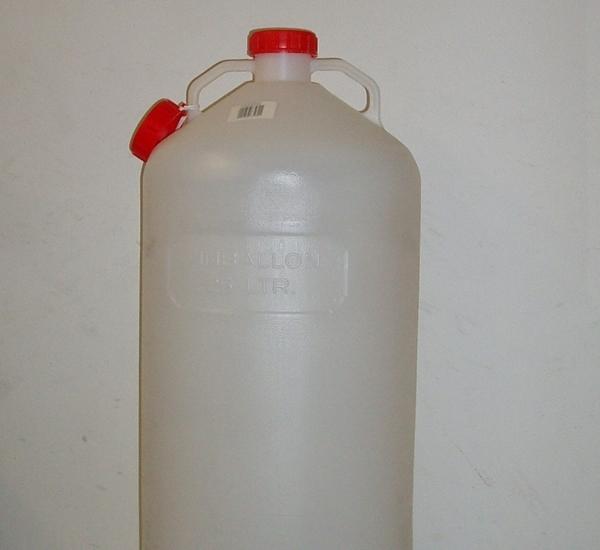Fles in kunststof met deksel voor waterslot. 25L