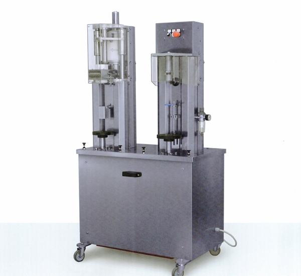 Semi-automatisch kurkapparaat en muilbandapparaat