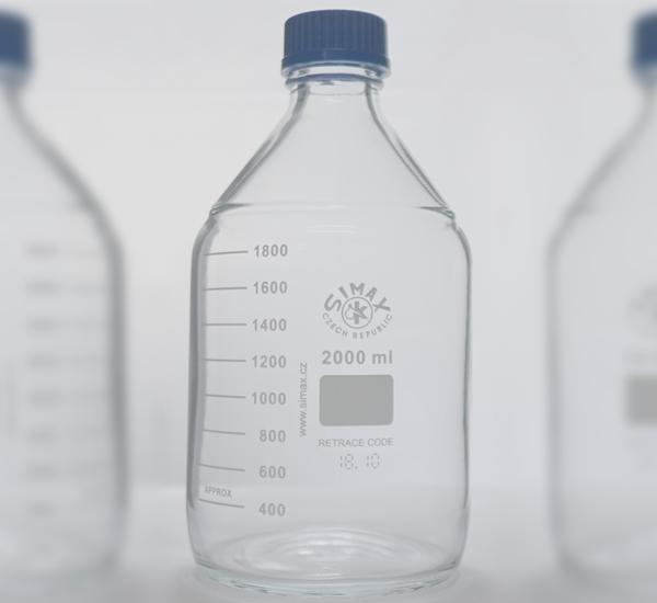 Maatfles ISO 2L met steriliseerbare dop