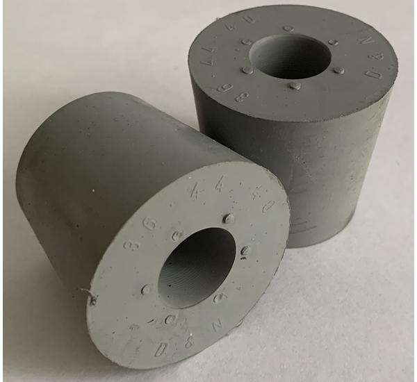 Rubber stop met gat 17mm 36/44 H40