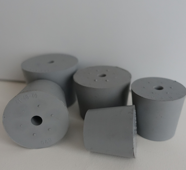 Bouchon plein gris avec trou 9mm 47/55x H40
