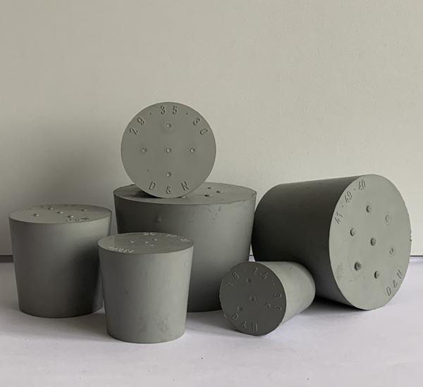Bouchon plein gris sans trou 26/32 H30