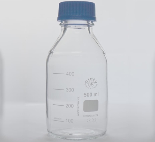 Flacon ISO 500ml avec bouchon bleu à stériliser